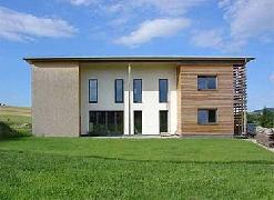 Einfamilienwohnhaus und Massagehaus in Neuhofen / OÖ