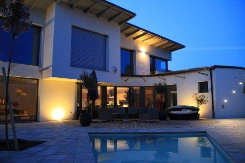einfamilienhaus als plusenergiehaus strohballenbau. Black Bedroom Furniture Sets. Home Design Ideas