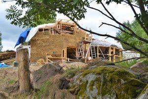 2016-7-09-10-strawbale-hobbithouse-sweden-2