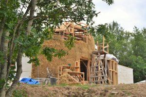 2016-7-09-10-strawbale-hobbithouse-sweden-3