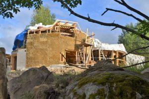 2016-7-09-10-strawbale-hobbithouse-sweden-40