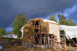 2016-7-11-strawbalehouse-rainbow2