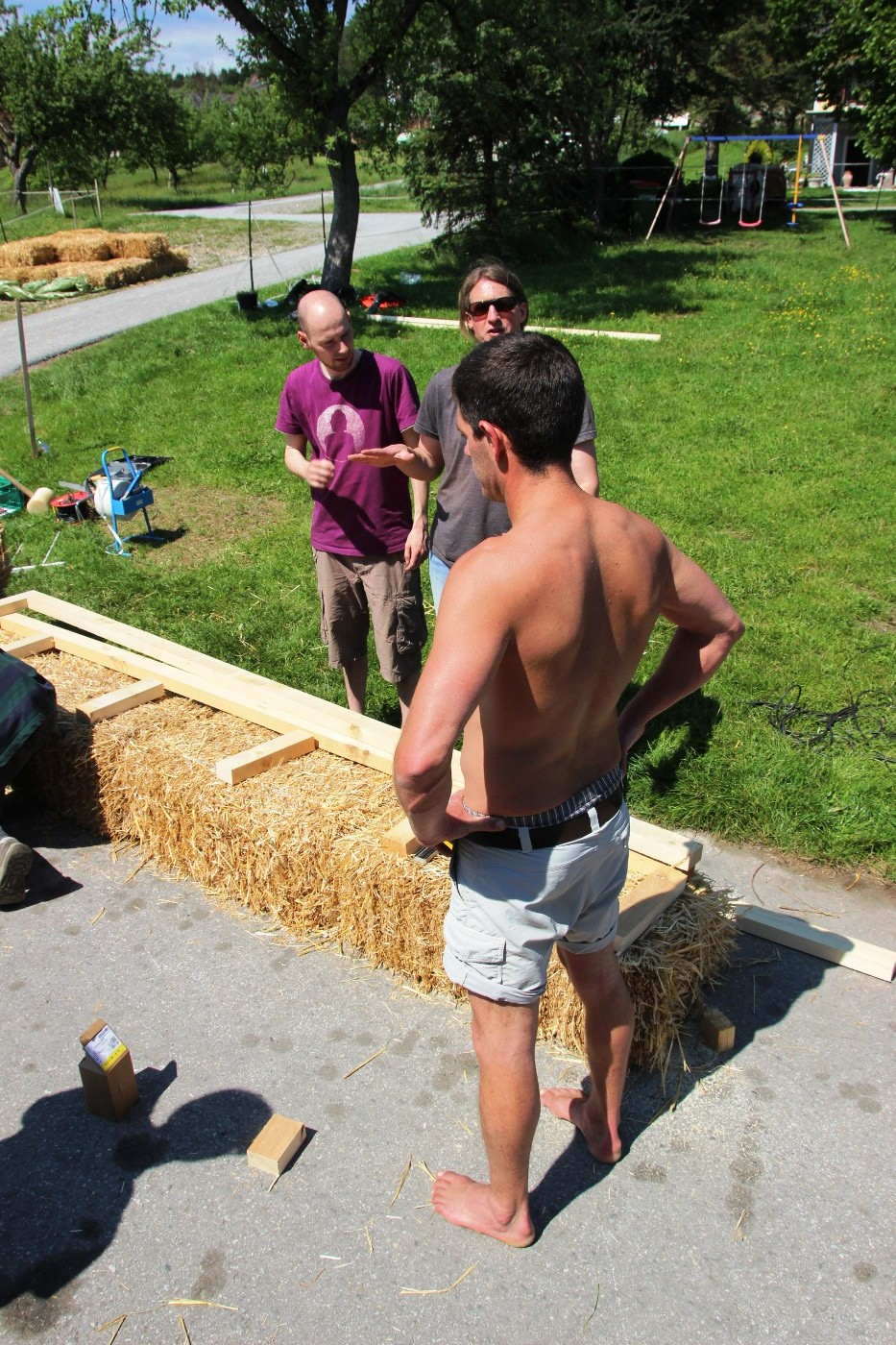 straw bale training for european professionals with